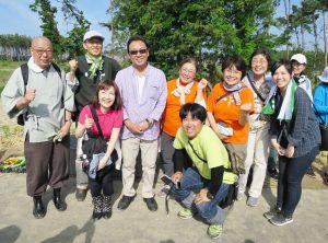 進和学園の皆様、森の防潮堤協会 日置理事長、梅沢富美男&池田明子ご夫妻と一緒に